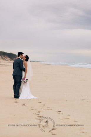 an island hideaway wedding - jess + michael - kiss the groom-0209