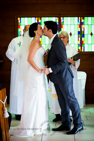 an island hideaway wedding - jess + michael - kiss the groom-0756