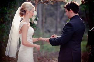 pollys kitchen wedding paige ken kiss the groom-0210