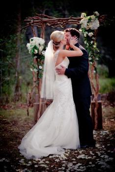 pollys kitchen wedding paige ken kiss the groom-0221