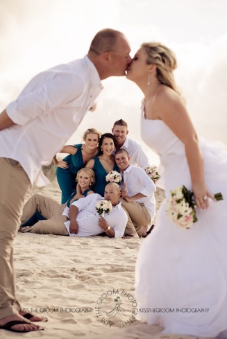 currumbin beach prue ben kiss the groom photography-0634