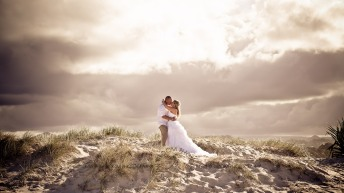 currumbin beach prue ben kiss the groom photography-0690