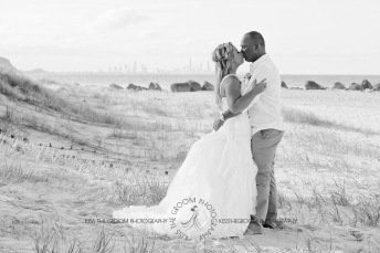 currumbin beach prue ben kiss the groom photography-0822