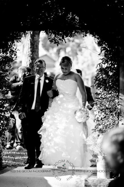 eco fellini wedding amanda ben kiss the groom photography-0173