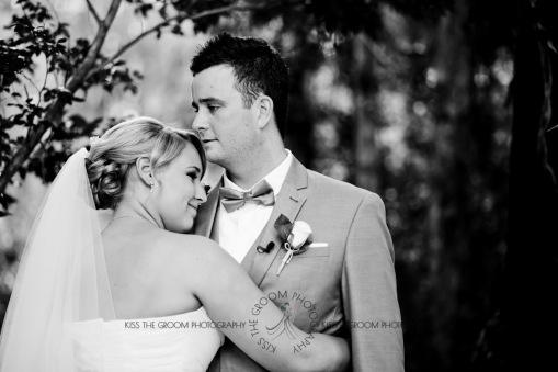 eco fellini wedding amanda ben kiss the groom photography-0257