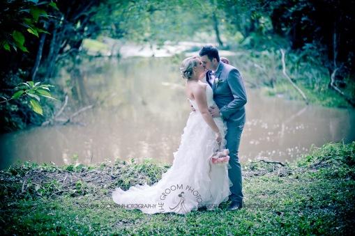 eco fellini wedding amanda ben kiss the groom photography-0307