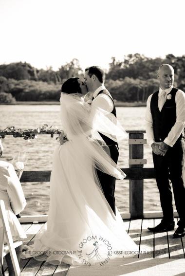 kingscliff bowls club boat shed wedding sarah joe kiss the groom photography-0272