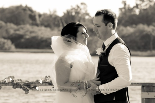kingscliff bowls club boat shed wedding sarah joe kiss the groom photography-0274