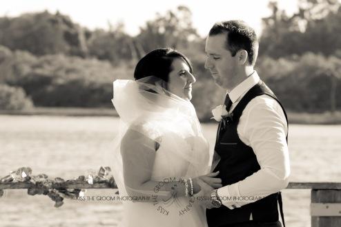 kingscliff bowls club boat shed wedding sarah joe kiss the groom photography-0274