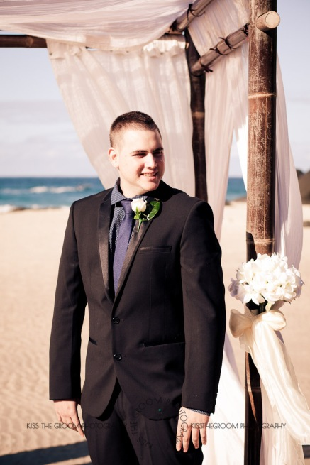 coolangatta kirra wedding anne marie shane kiss the groom photography-0305