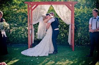 amore gardens yasmin dahmon wedding kiss the groom gold coast photography-0403