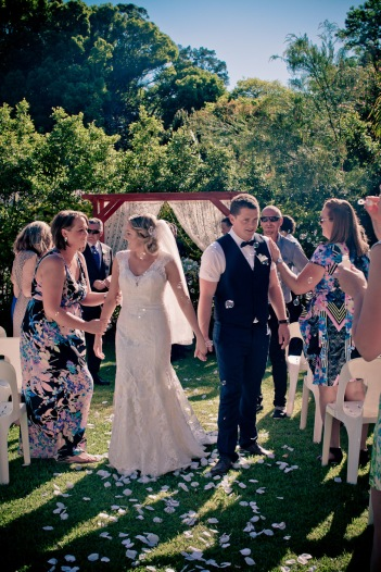 amore gardens yasmin dahmon wedding kiss the groom gold coast photography-0424