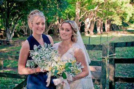 amore gardens yasmin dahmon wedding kiss the groom gold coast photography-0570