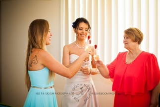 currumbin vikings beach wedding tatiana raylander kiss the groom gold coast wedding photographer-0080