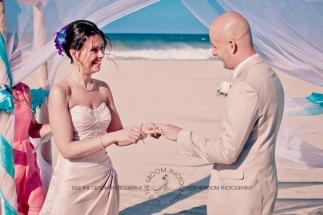 currumbin vikings beach wedding tatiana raylander kiss the groom gold coast wedding photographer-0265