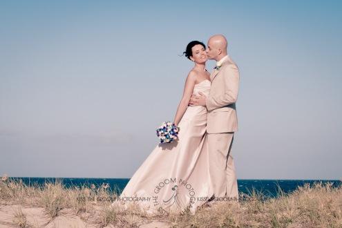 currumbin vikings beach wedding tatiana raylander kiss the groom gold coast wedding photographer-0485