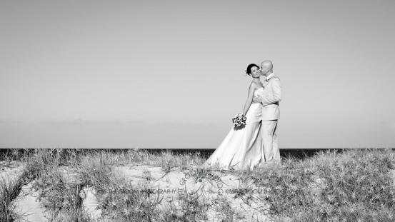 currumbin vikings beach wedding tatiana raylander kiss the groom gold coast wedding photographer-0487