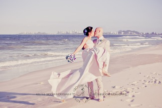 currumbin vikings beach wedding tatiana raylander kiss the groom gold coast wedding photographer-0571