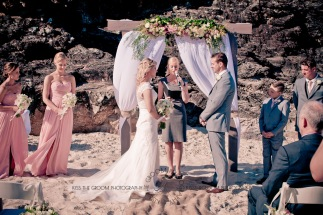 north burleigh beach caroline luke wedding kiss the groom gold coast photography-0657