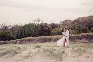 casuarine beach wedding barry cat kiss the groom gold coast wedding photographer-0808