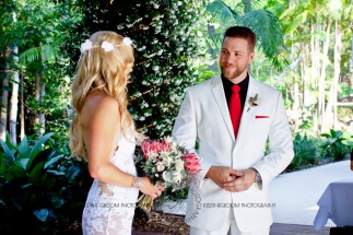 cedar creek lodges trina steve wedding kiss the groom mt tamborine wedding photographer-0259