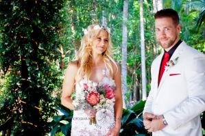 cedar creek lodges trina steve wedding kiss the groom mt tamborine wedding photographer-0261