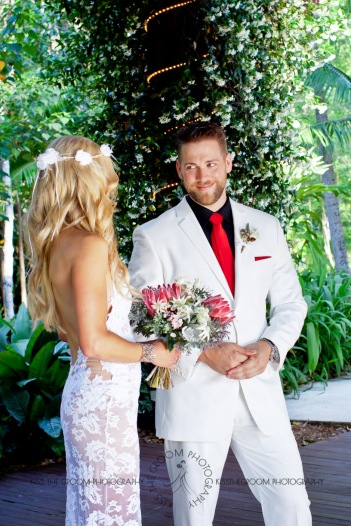 cedar creek lodges trina steve wedding kiss the groom mt tamborine wedding photographer-0279