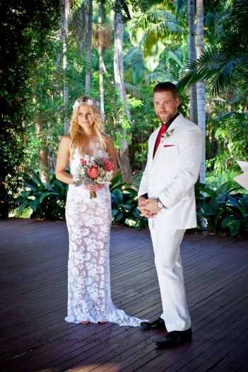cedar creek lodges trina steve wedding kiss the groom mt tamborine wedding photographer-0286
