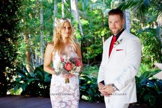 cedar creek lodges trina steve wedding kiss the groom mt tamborine wedding photographer-0292