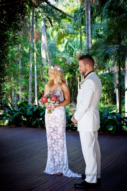 cedar creek lodges trina steve wedding kiss the groom mt tamborine wedding photographer-0303