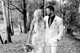 cedar creek lodges trina steve wedding kiss the groom mt tamborine wedding photographer-0629