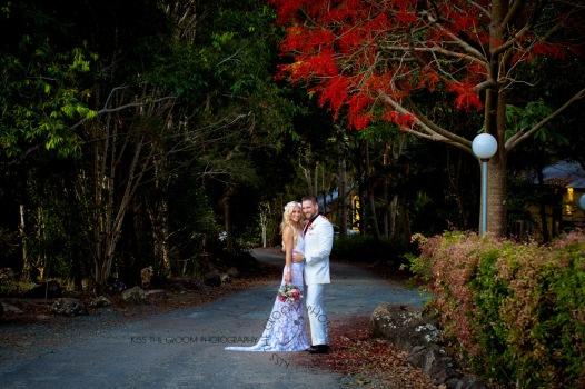 cedar creek lodges trina steve wedding kiss the groom mt tamborine wedding photographer-0643
