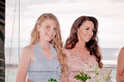 oskars wedding vicki karl kiss the groom gold coast wedding photographer-0123