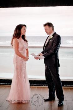 oskars wedding vicki karl kiss the groom gold coast wedding photographer-0140