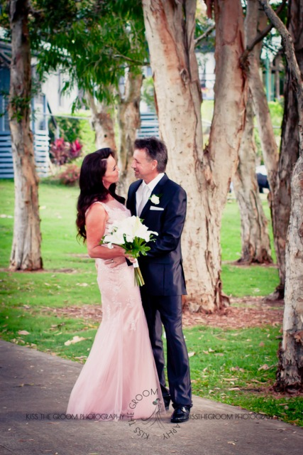 oskars wedding vicki karl kiss the groom gold coast wedding photographer-0368