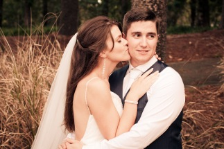 racv royal pines wedding shannon matt kiss the groom gold coast wedding photographer-0891
