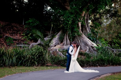 racv royal pines wedding shannon matt kiss the groom gold coast wedding photographer-0912