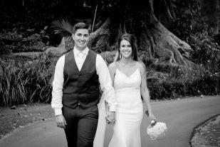 racv royal pines wedding shannon matt kiss the groom gold coast wedding photographer-0940