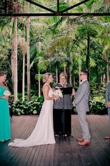 cedar creek lodges stacey paul wedding kiss the groom photographyu-0393