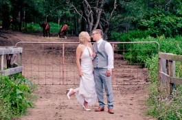 cedar creek lodges stacey paul wedding kiss the groom photographyu-0773