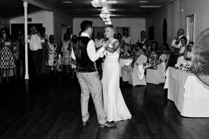 cedar creek lodges stacey paul wedding kiss the groom photographyu-1077