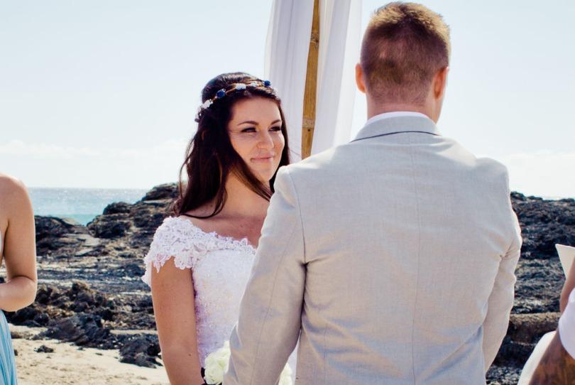 currumbin vikings wedding photographer olivia jayden kiss the groom-0494