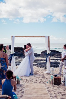 currumbin vikings wedding photographer olivia jayden kiss the groom-0562