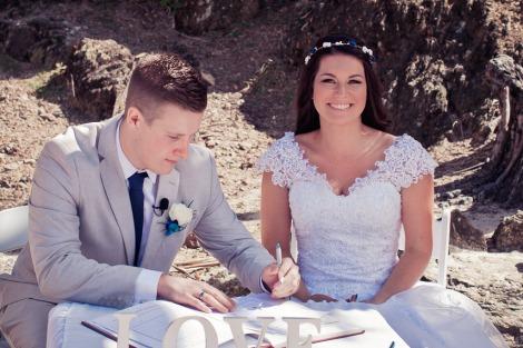 currumbin vikings wedding photographer olivia jayden kiss the groom-0583
