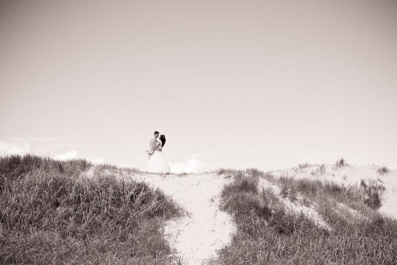 currumbin vikings wedding photographer olivia jayden kiss the groom-0899