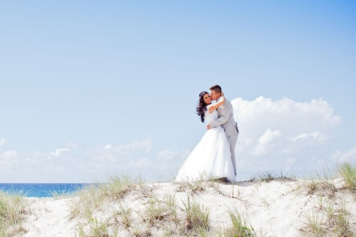 currumbin vikings wedding photographer olivia jayden kiss the groom-0916