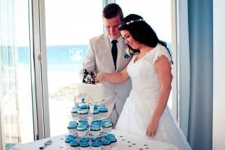 currumbin vikings wedding photographer olivia jayden kiss the groom-1115