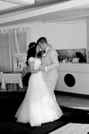currumbin vikings wedding photographer olivia jayden kiss the groom-1152
