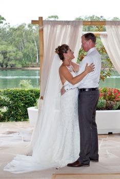 currumbin wedding jodi nat kiss the groom gold coast wedding photographer-0457