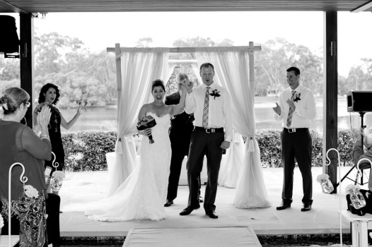 currumbin wedding jodi nat kiss the groom gold coast wedding photographer-0504